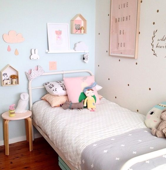 toile chambre fille 071121 la meilleure. Black Bedroom Furniture Sets. Home Design Ideas