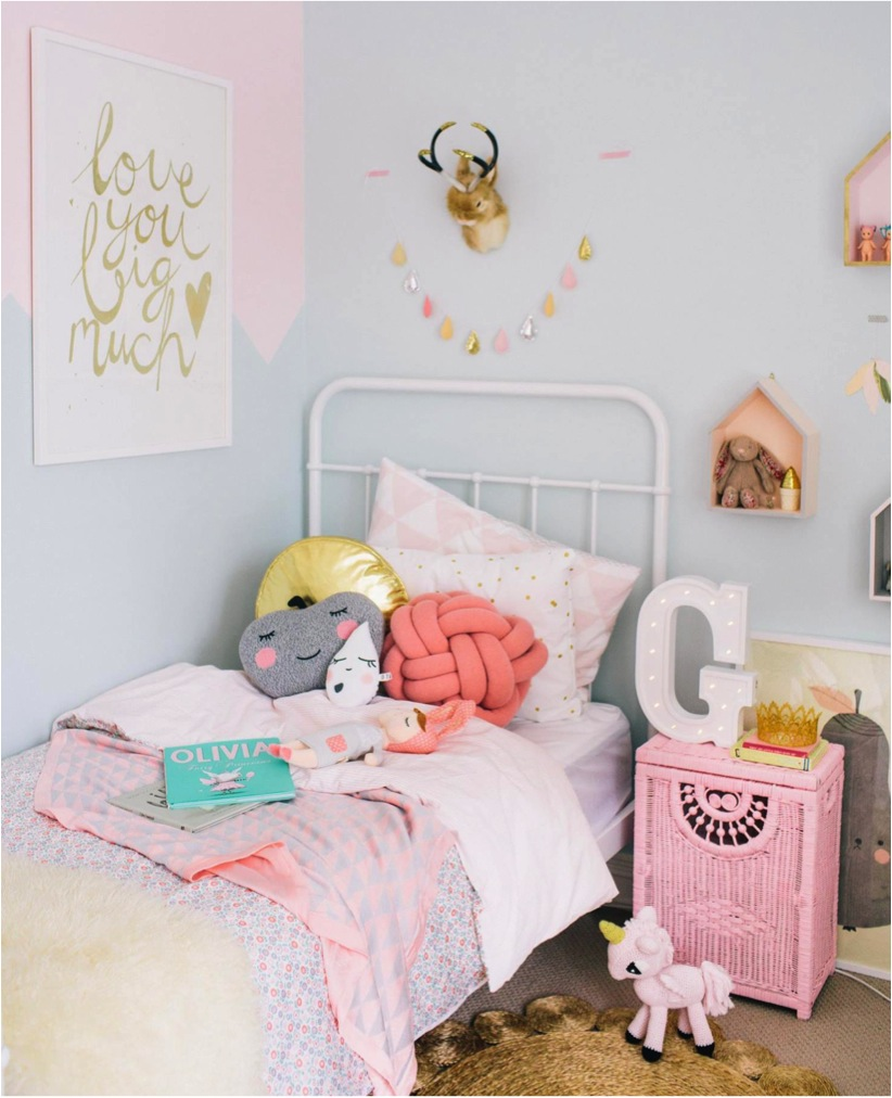 10 chambres de petites filles pastels club mamans. Black Bedroom Furniture Sets. Home Design Ideas