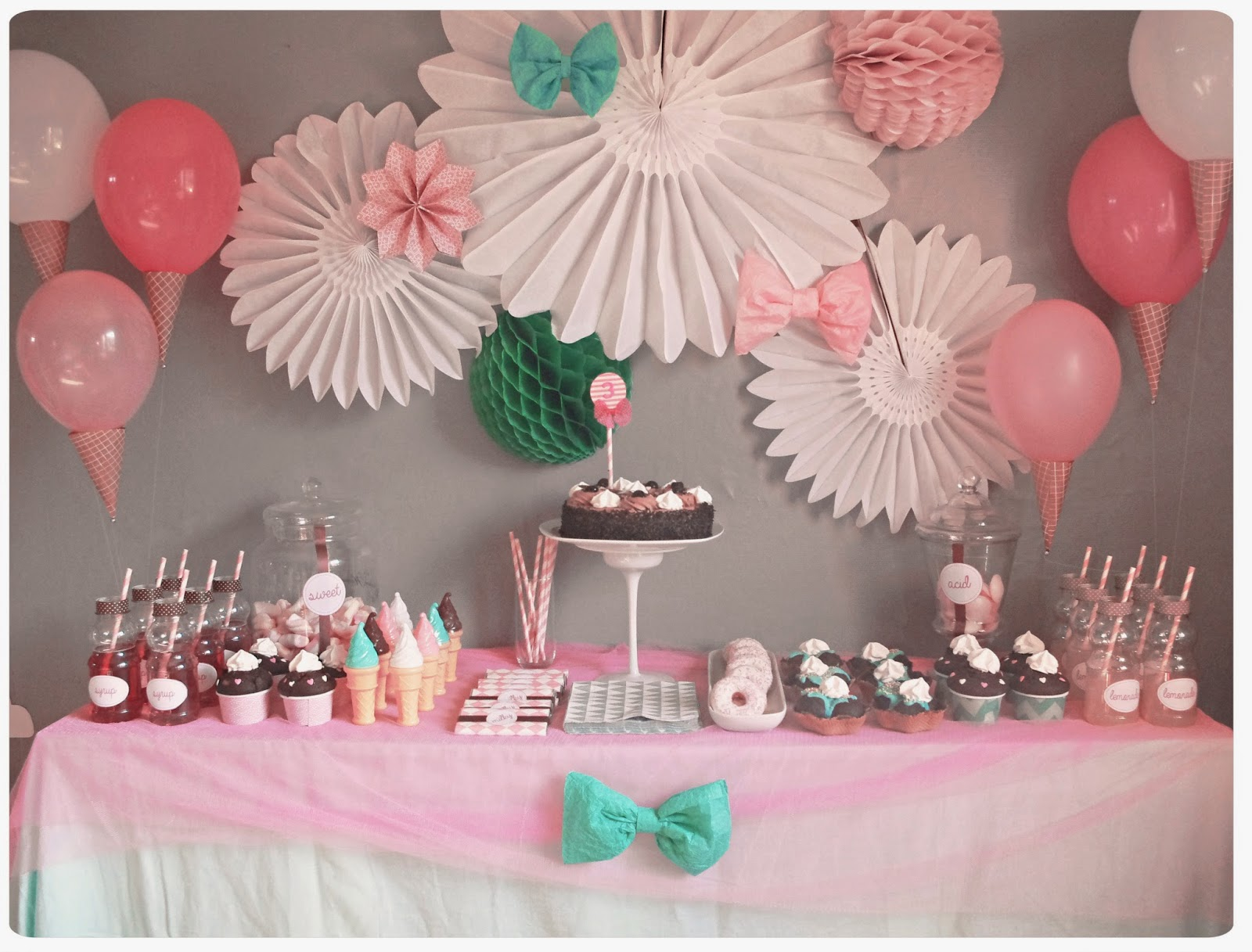 Baby shower fille des id es de buffets de princesses - Idee deco de table pour bapteme fille ...