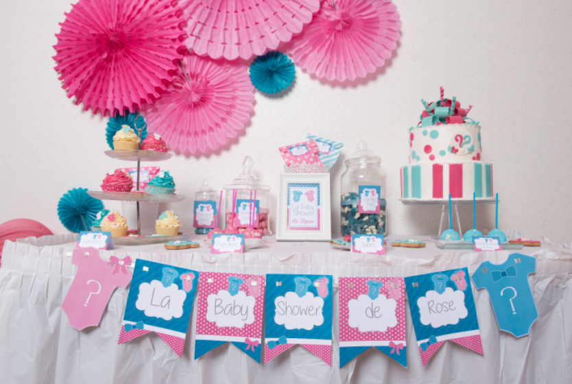 Baby shower mixte id es d co pour le buffet - Deco baby shower garcon ...