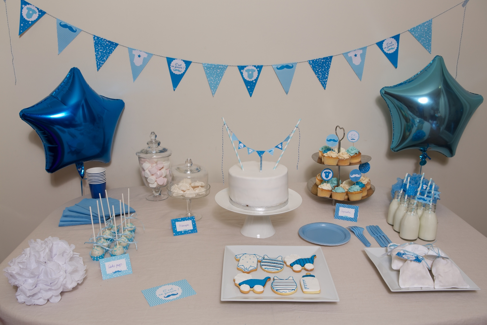 Baby shower gar on une d co tout en bleu - Deco baby shower garcon ...