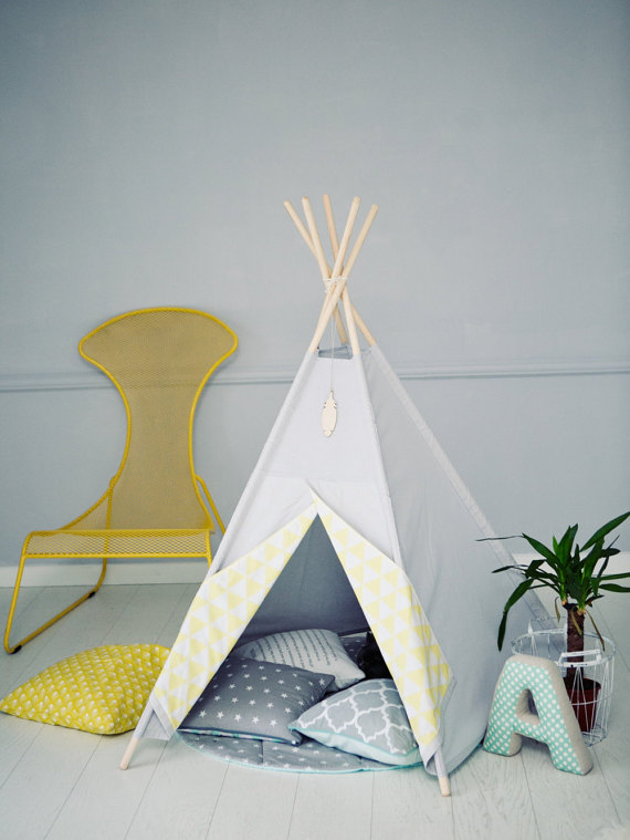 r aliser un tipi pour les enfants en 8 tapes club mamans. Black Bedroom Furniture Sets. Home Design Ideas