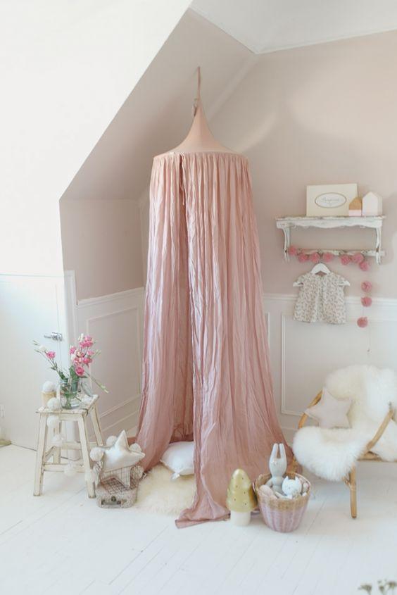 Emejing chambre de petite fille gallery for Organisation petite chambre