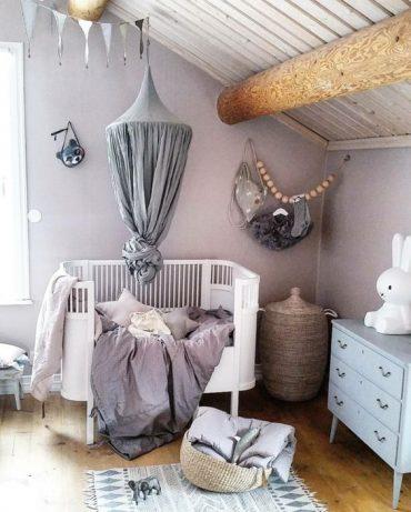 décoration chambre bébé mauve et gris