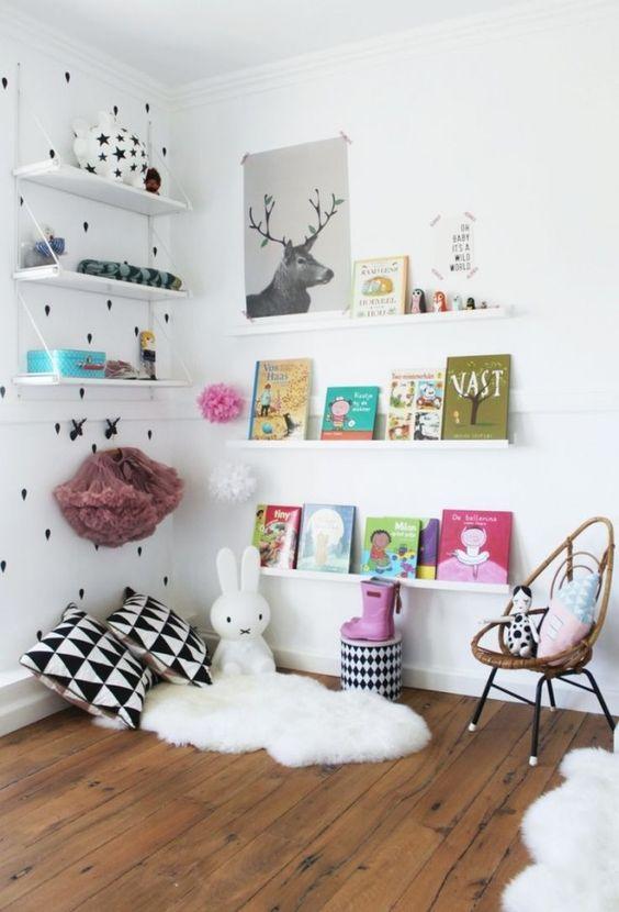 montessori am nager un coin lecture pour vos enfants club mamans. Black Bedroom Furniture Sets. Home Design Ideas