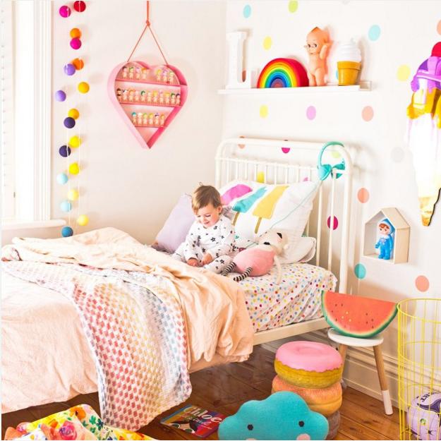 chambre colorée petite fille