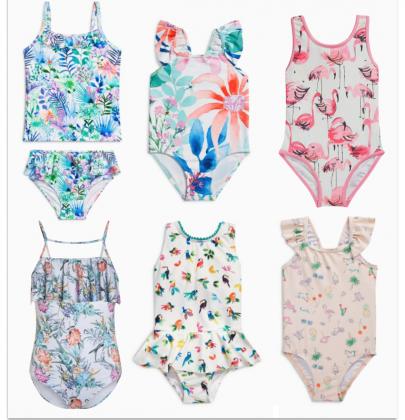 Sélection de maillots de bains à motifs tropicaux