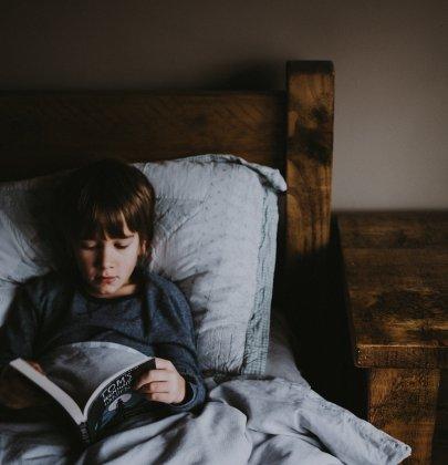 Montessori : aménager un coin lecture pour vos enfants