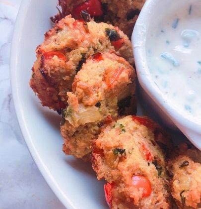 Repas d'été : croquettes de thon et poivron & salade avocat concombre !