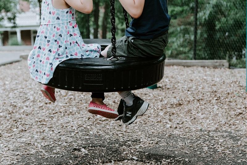 enfant au parc