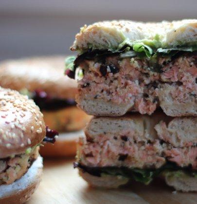 Bagel saumon et avocat : sain et bon !